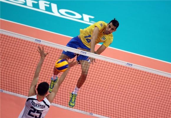 Бразилия се спаси срещу Иран след драма (видео)