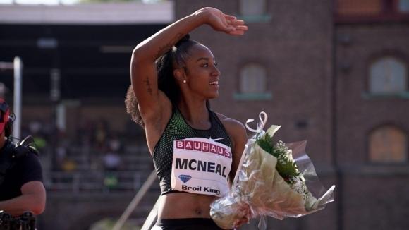 Макнийл оглави световната ранглиста на 100 м/пр