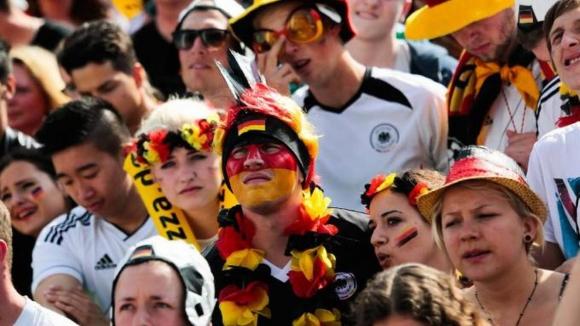 Фронтекс ще помага на Полша с пътуващи към Русия фенове