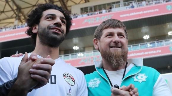Британците недоволни от дружбата на Салах и Рамзан Кадиров (видео)