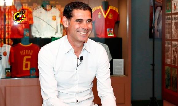Новият селекционер на Испания Фернандо Йеро си доведе трима помощници