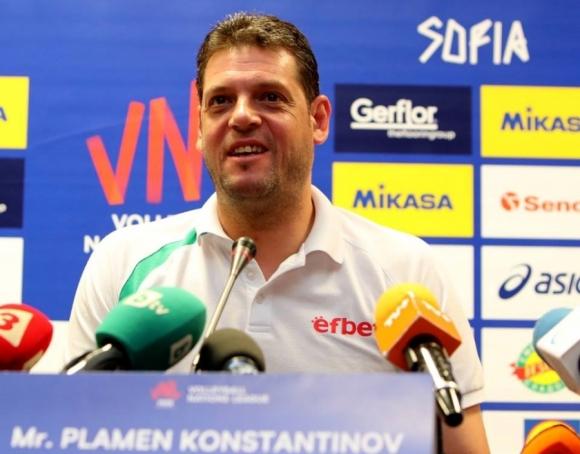 Пресконференция на Пламен Константинов и останалите треньори във Варна! Гледайте ТУК!!