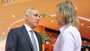 Стоичков се разпя в ефир (видео)