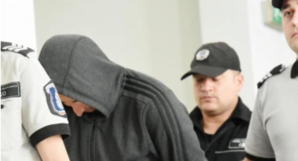 Ударил с бомбичка полицай обжалва ареста си