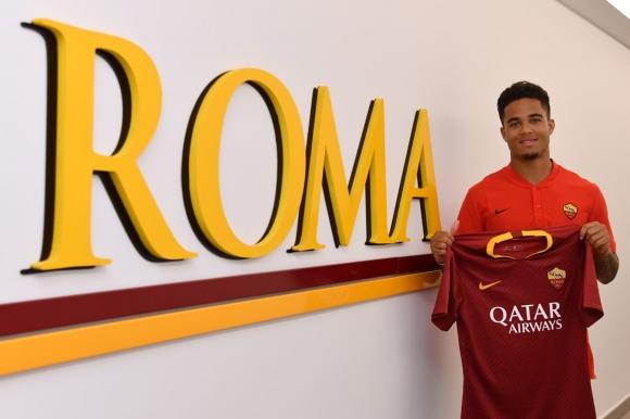 """Официално: Клуйверт е играч на Рома, """"вълците"""" обявиха детайлите по трансфера"""