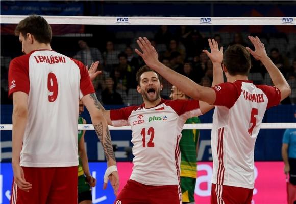 Световният шампион Полша страда, но разгроми Австралия и стигна до финалите в Лил (видео + снимки)