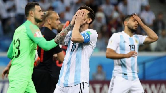 Легендата Ардилес избухна срещу треньора и отбора, единствено защити Меси