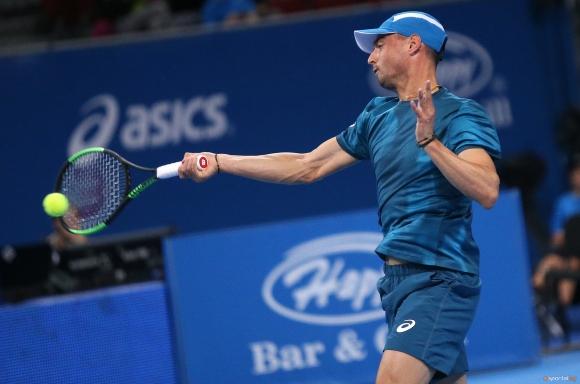 Кузманов се класира за четвъртфиналите на турнир в Германия, Донев отпадна