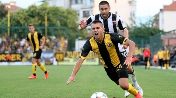Защитник на Ботев подписа с шампиона на Грузия