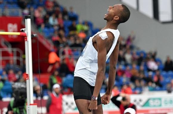Баршим скача за световен рекорд на 2.46 м, но се контузи