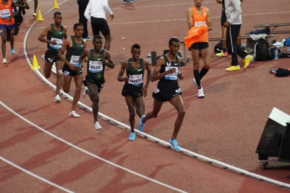 Екшън, дисквалификация и най-добър резултат в света за сезона на 5000 м в Лозана
