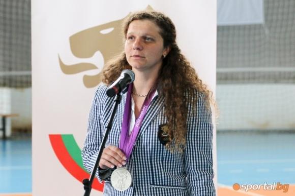 Скандал заради парите от медала на Милка Манева