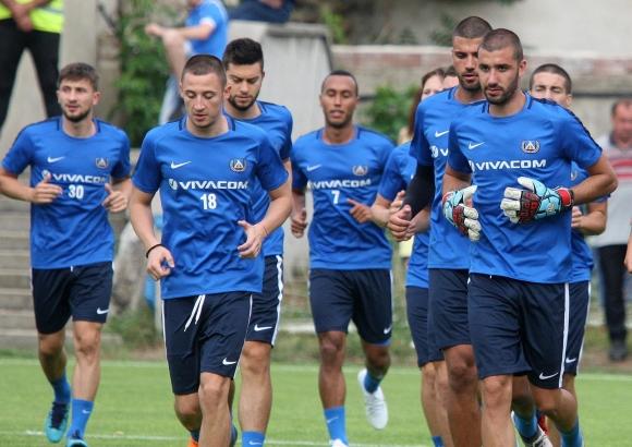 Нашименто и Паулиньо остават в София