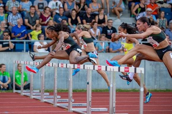 Макнийл с победа на 100 м/пр в Люцерн