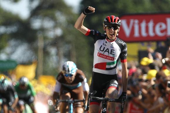 """Даниел Мартин триумфира в шестия етап на """"Тур дьо Франс"""""""