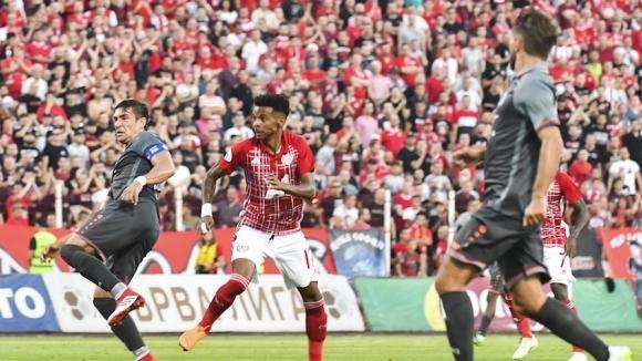 Брилянтен гол и феноменален Черниаускас носят победа на ЦСКА-София в Европа (видео+галерия)