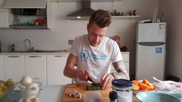 Иван Зайцев полудя по турски готвач, на който фенове са Кристиано Роналдо и Модрич (видео + снимки)