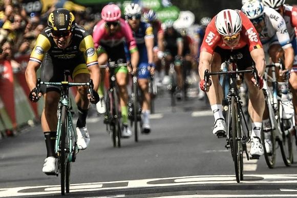 Паветата на Рубе взеха много жертви, Джон Дегенколб спечели деветия етап на Тура