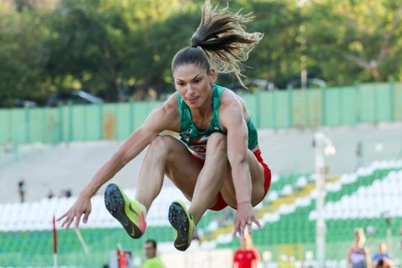 Петрова, Александрова и Славов донесоха още три медала на България