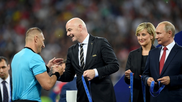 """ФИФА обясни за """"откраднатия"""" златен медал"""