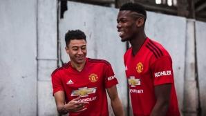 """Манчестър Юнайтед представи официално """"железничарския"""" нов екип"""