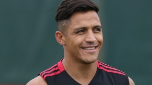 Алексис се присъдединява към Ман Юнайтед и трябва да играе още тази вечер