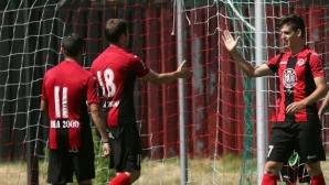 Локо Сф бие в представянето на отбора за новия сезон