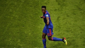 Йери Мина даде нов шанс на Барселона