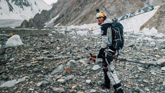 Поляк стана първият човек, спуснал се със ски от К2 (видео)