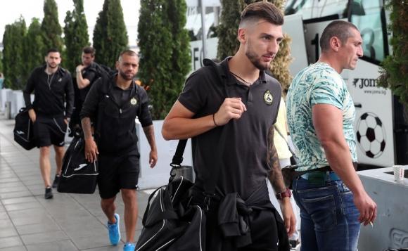 Славия пристигна в Сплит