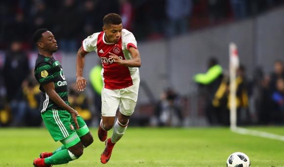 Аякс информира Ливърпул и Рома за цената на нападател