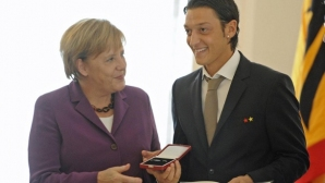 """Канцлерът Ангела Меркел взе отношение по случая """"Йозил"""""""