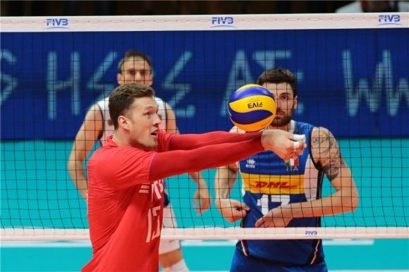 Война между волейбола и футбола в Русия