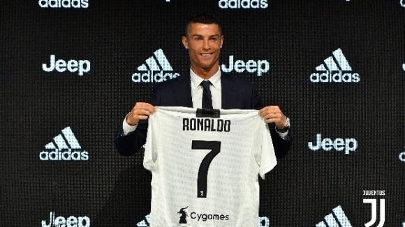 Де Лаурентис: Юве рискува с Роналдо