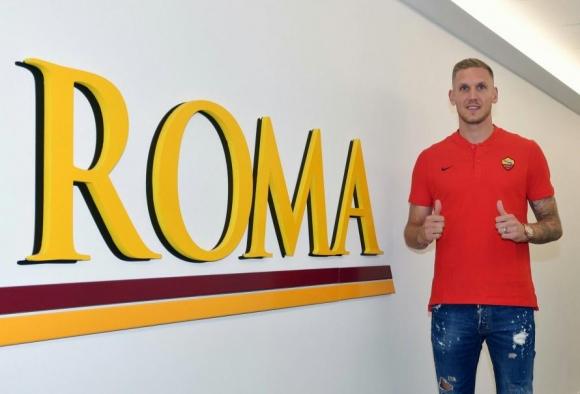 Трансферът на Олсен в Рома зарадва скромен шведски тим