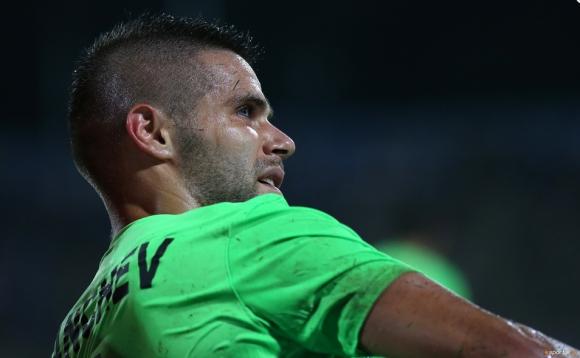 Играч на Черно море с леко разкъсване след мача с Левски