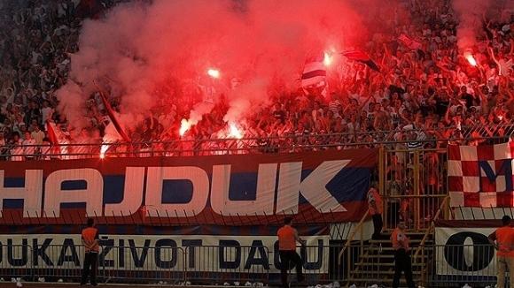 800 фенове на Хайдук пристигат в София
