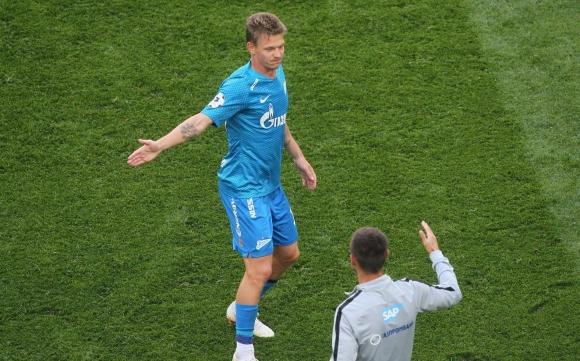 Зенит набира скорост, само единият българин игра за Арсенал