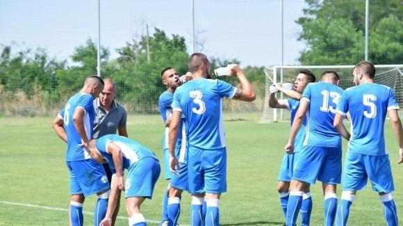 Голмайсторът на Черноморец (Бургас) пропуска градското дерби на старта на Трета лига