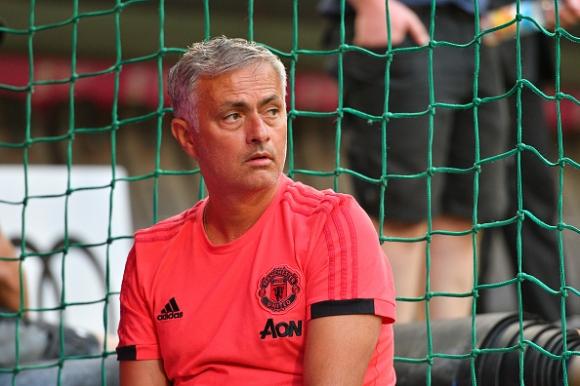 Моуриньо недоволства: Ливърпул купува наред, а ние изоставаме - чака ни тежък сезон