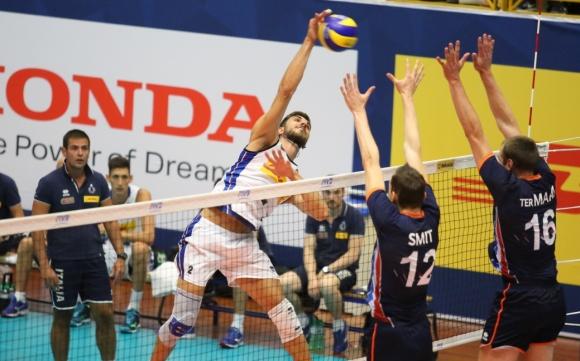 Ван Хаарлем игра, Холандия обърна Италия в контрола
