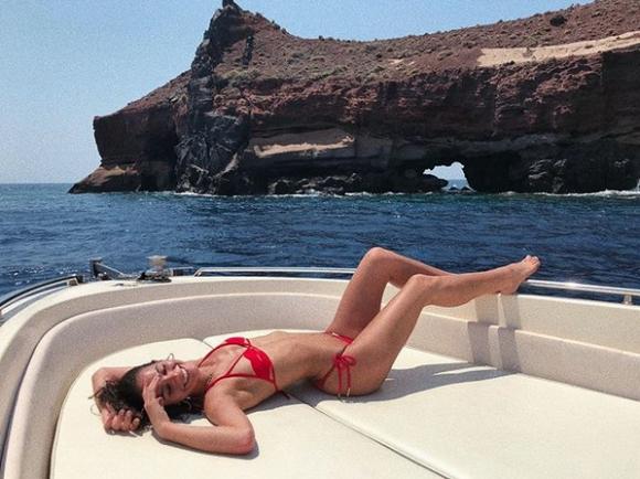 Гаджето на Неймар e секси на Санторини