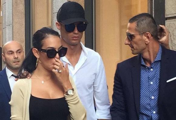 Кристиано и Джорджина предизвикаха вълнение в Милано (видео)