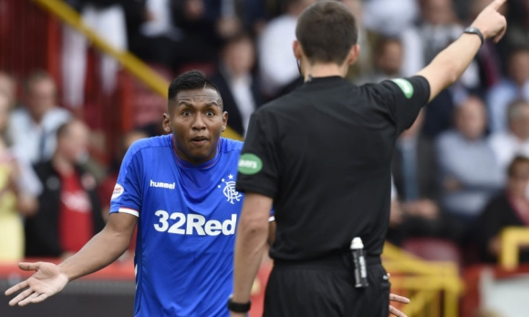 Шотландската ФА отмени червен картон на играч на Рейнджърс