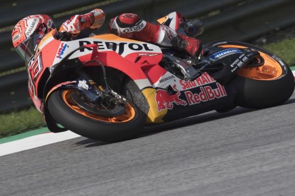 Маркес доминира в третата MotoGP тренировка в Австрия, Роси отива в Q1