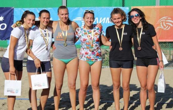 Ася Динова и Ирена Мишонова спечелиха турнира по плажен волейбол в Пловдив