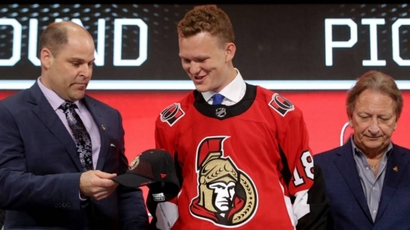 Синът на легендата Кийт Ткъчък ще играе в НХЛ