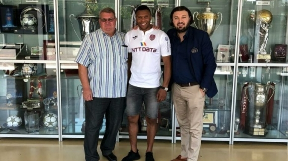 Бивш играч на Реал Мадрид и Арсенал подписа в Румъния