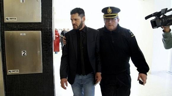 Осъдиха един от братята на Меси за незаконно притежание на оръжие
