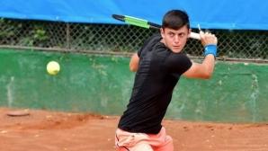Лазаров се класира за втория кръг на турнир по тенис в Румъния